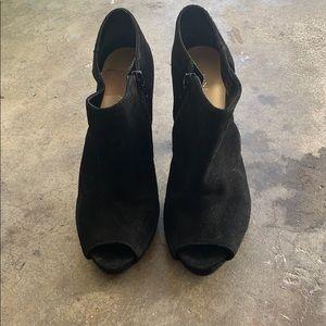 Black Nine West booties with heel size 6.5